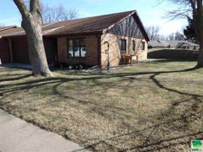 Property for sale at 13 Pioneer Ct Nw Unit: 13, Orange City,  Iowa 51041