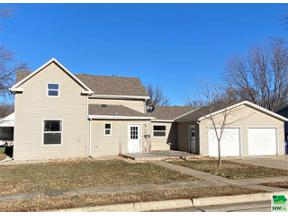 Property for sale at 603 Central Ave Ne, Orange City,  Iowa 51041