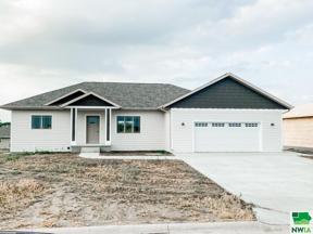 Property for sale at 805 15th St Se, Orange City,  Iowa 51041