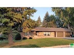 Property for sale at 104 Iowa Ave Nw, Orange City,  Iowa 51041