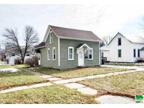 Property for sale at 401 Arizona Ave Sw, Orange City,  Iowa 51041