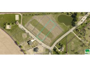 Property for sale at 203 Pinewood Park, Jefferson,  South Dakota 57038