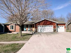 Property for sale at 700 Lincoln Ave Se, Orange City,  Iowa 51041
