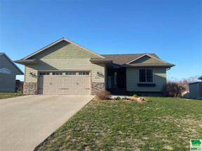 Property for sale at 1117 Denver Pl Se, Orange City,  Iowa 51041