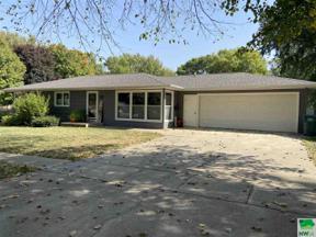 Property for sale at 209 Georgia Ave Sw, Orange City,  Iowa 51041