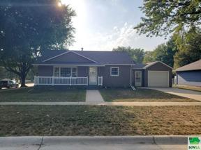 Property for sale at 426 Delaware Ave SW, orange city,  Iowa 51041