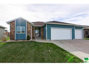 Property for sale at 678 Prairie Blvd, Dakota Dunes,  South Dakota 57049