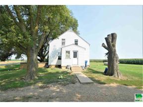 Property for sale at 33332 480 Ave, jefferson,  South Dakota 57038