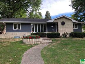 Property for sale at 511 3rd St Ne, Orange City,  Iowa 51041