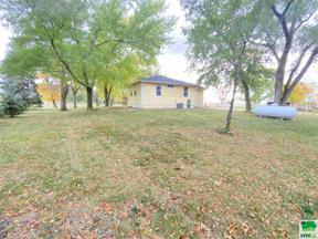 Property for sale at 48546 332nd St, Jefferson,  South Dakota 57038