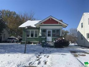 Property for sale at 608 N Dakota, Vermillion,  South Dakota 57069