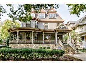 Property for sale at 139 S Grove Avenue, Oak Park,  Illinois 60302