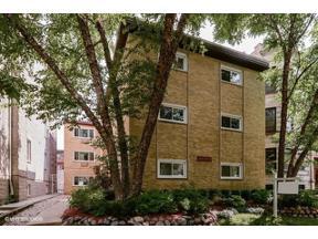 Property for sale at 1439 W Belle Plaine Avenue # 1, Chicago,  Illinois 60613