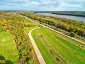 Property for sale at 3495 Old Highway Road, Muscatine,  Iowa 52761