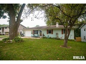 Property for sale at 1027 Reynolds Street, Le Claire,  Iowa 52753