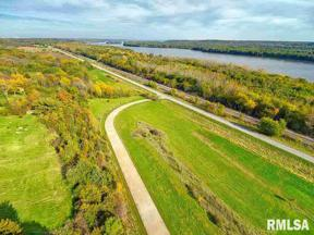 Property for sale at 3496 Old Highway Road, Muscatine,  Iowa 52761