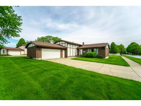 Property for sale at 1529 Cardinal Court, Munster,  Indiana 46321