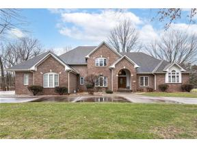Property for sale at 923 Woodcrest Way, Anderson,  Indiana 46012