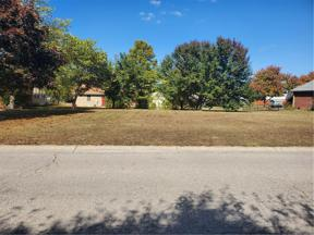 Property for sale at 6 Downing Drive, Trafalgar,  Indiana 46181