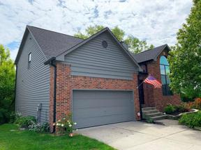 Property for sale at 31 Chestnut Court, Zionsville,  Indiana 46077