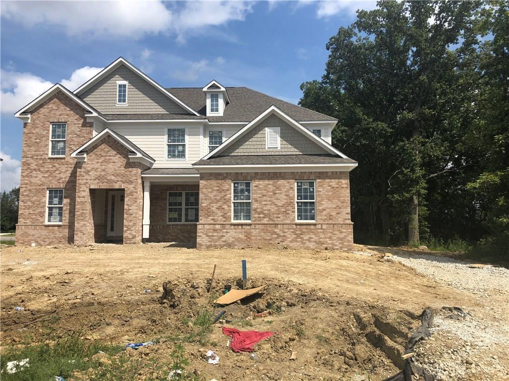 Photo of home for sale at 3304 Shelborne Woods Parkway, Carmel IN