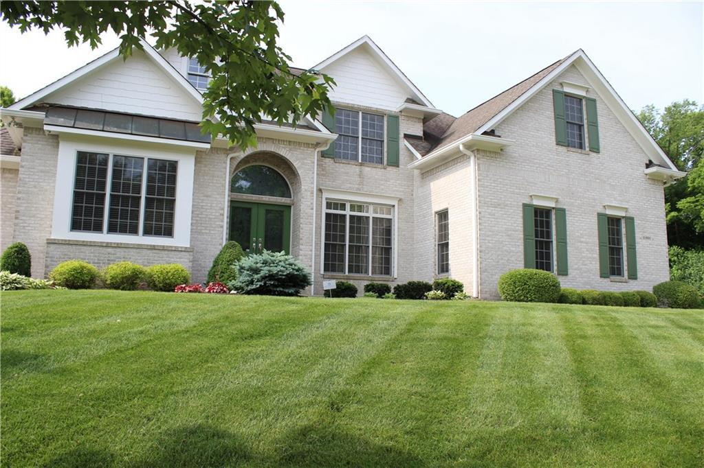 Photo of home for sale at 11201 Bluebird Court, Fishers IN