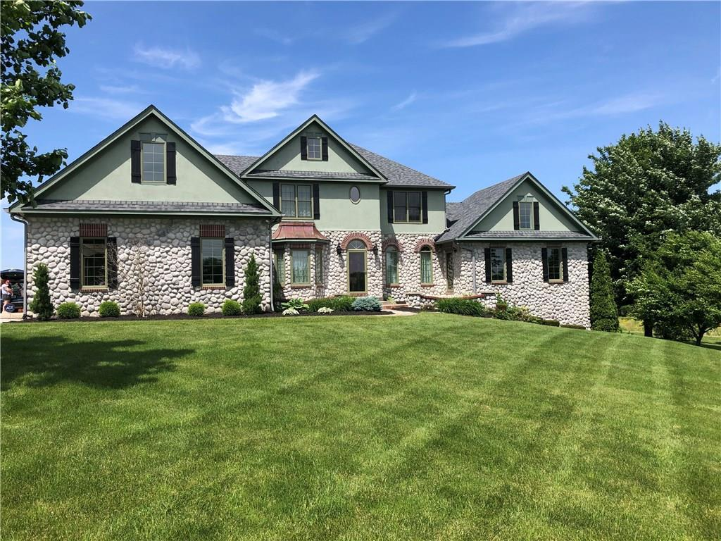 Photo of home for sale at 16140 Ditch Road, Westfield IN
