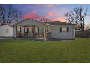 Property for sale at 207 Center Drive, Mooresville,  Indiana 46158