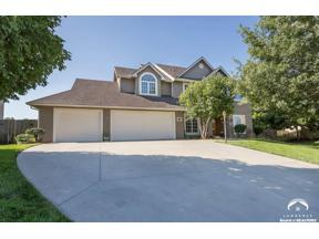 Property for sale at 1714 Bobwhite Dr, Lawrence,  Kansas 66047