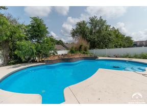 Property for sale at 412 Casa Bonita Drive, Lawrence,  Kansas 66049