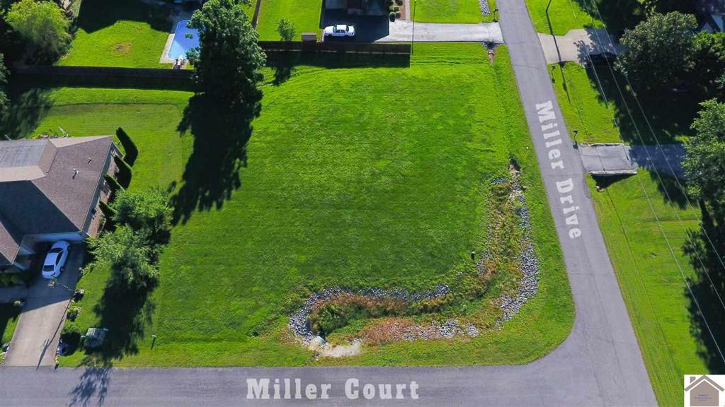 Photo of home for sale at 118 Miller Court, Paducah KY