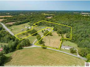 Property for sale at 3201 Lov Flo Station Rd West, Paducah,  Kentucky 42001