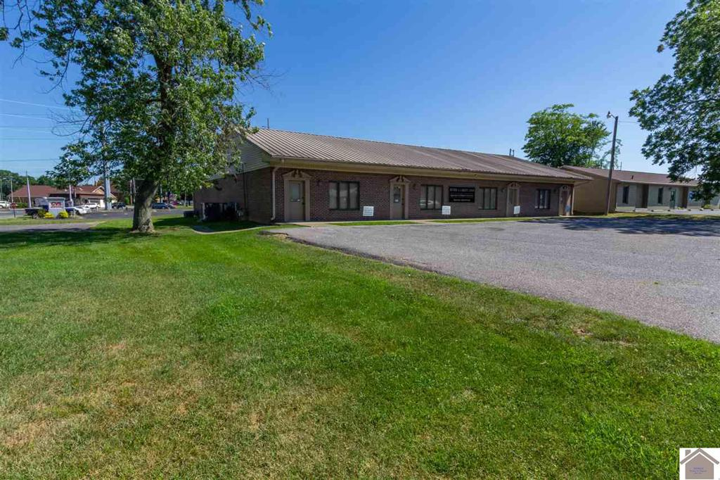 Photo of home for sale at 3008 Oregon St., Paducah KY