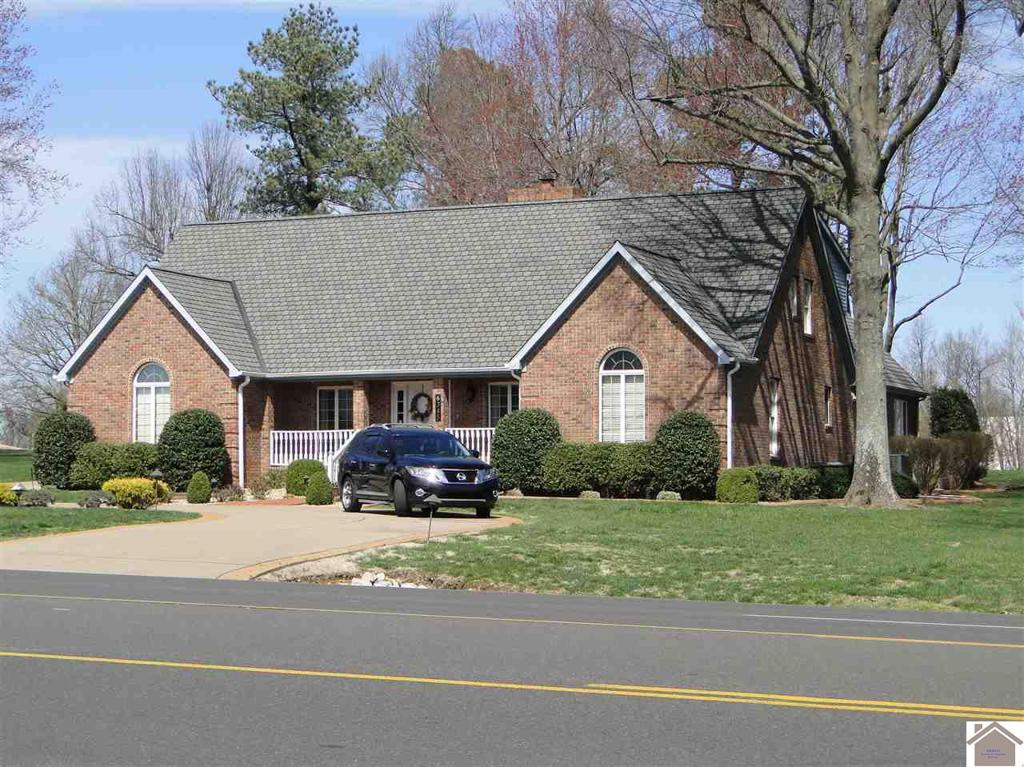 Photo of home for sale at 6345 Blandville Road, Paducah KY