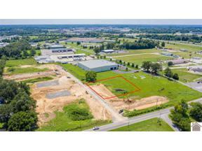 Property for sale at 1083 Falconite Oakes Drive, Paducah,  Kentucky 42001