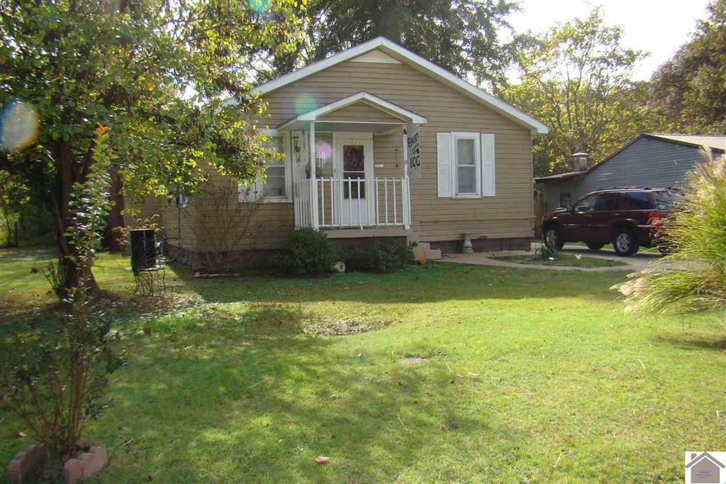 Photo of home for sale at 1202 Starke Ave, Paducah KY