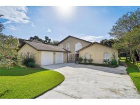 Property for sale at 8 CHATEAU TRIANON Drive, Kenner,  Louisiana 70065