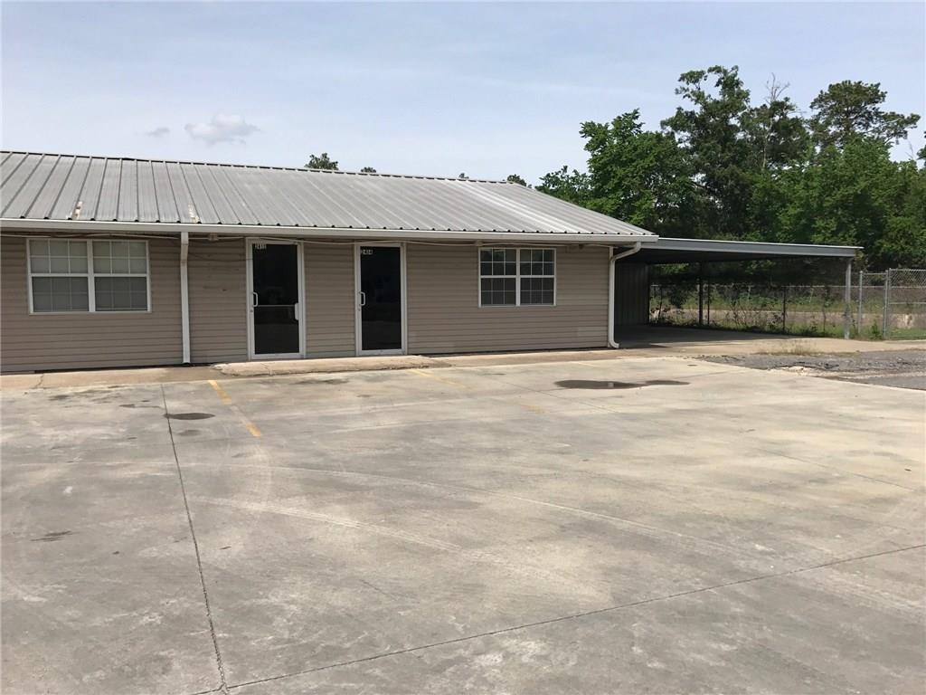 Photo of home for sale at 2412 Napoleon Street E, Sulphur LA