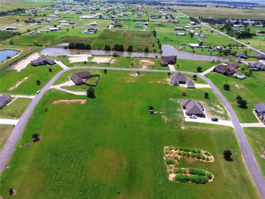 Photo of home for sale at Indian Lake Drive, Lake Charles LA