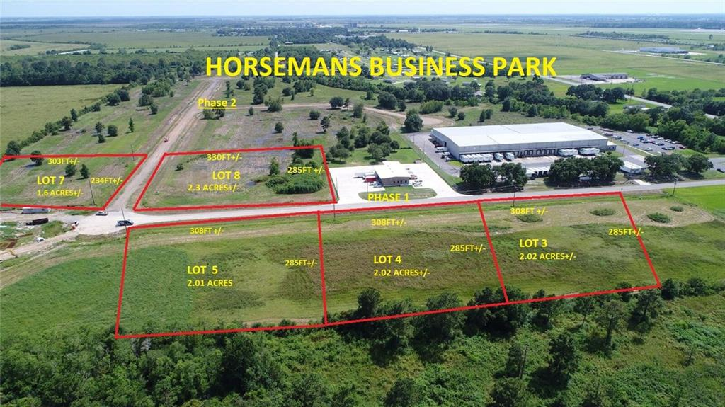 Photo of home for sale at 4 Horseman Drive, Lake Charles LA