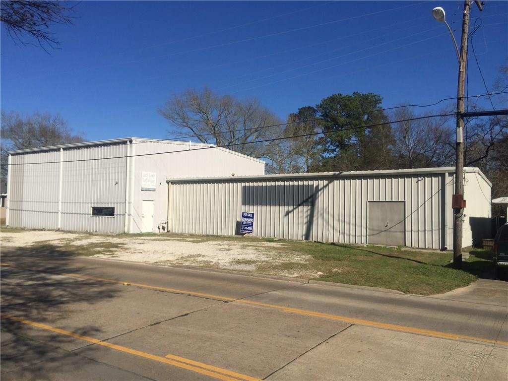 Photo of home for sale at 3511 KIRKMAN Street, Lake Charles LA
