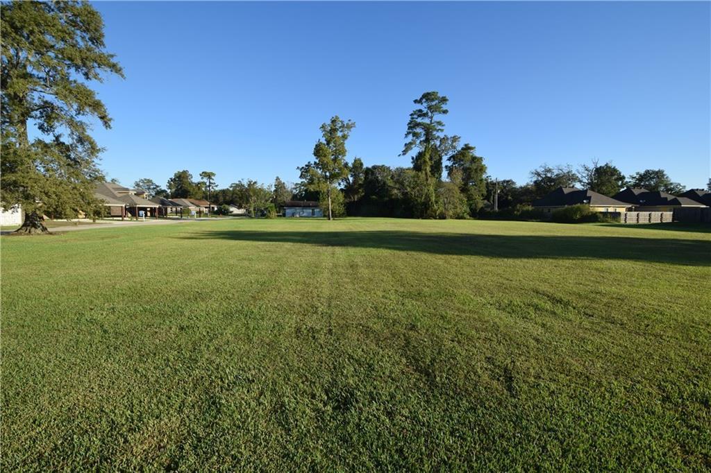 Photo of home for sale at Sulphur Avenue NE, Westlake LA