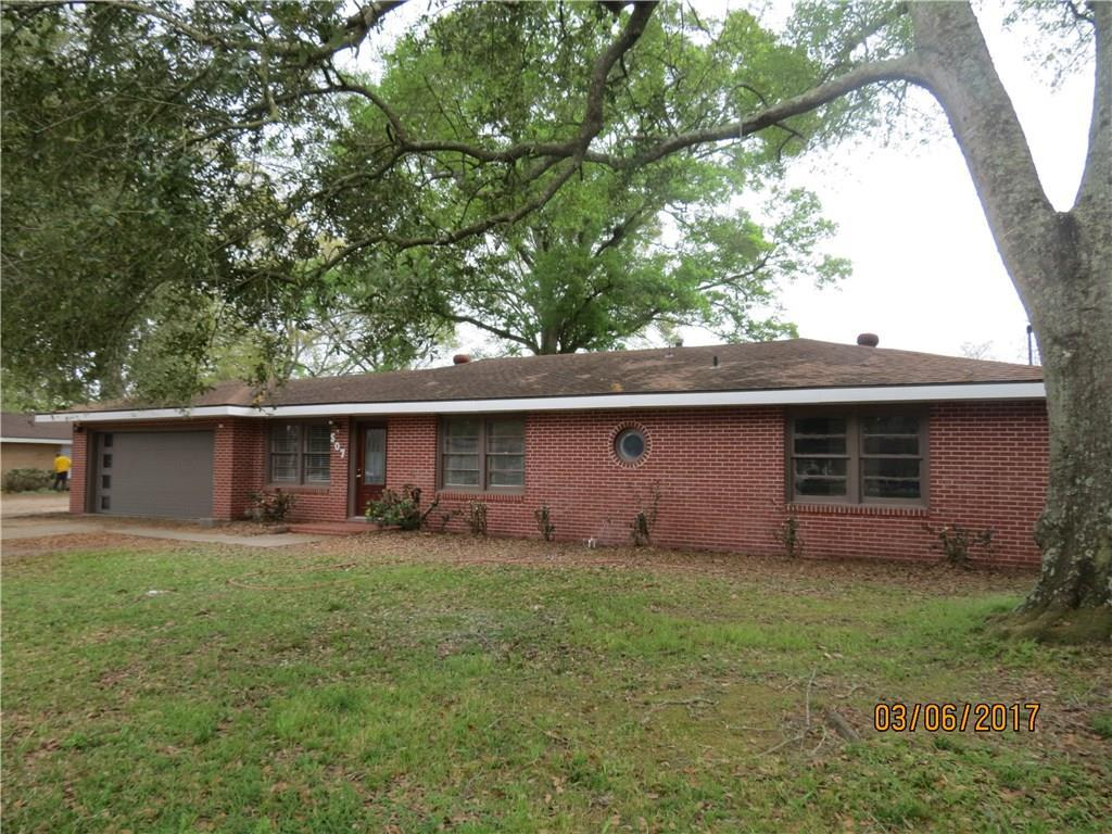 Photo of home for sale at 507 McNeese Street W, Lake Charles LA