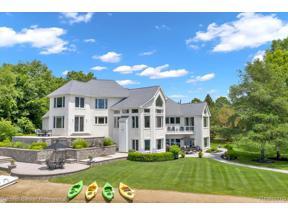 Property for sale at 99 OAK RIDGE CRT, Oxford Twp,  Michigan 48371