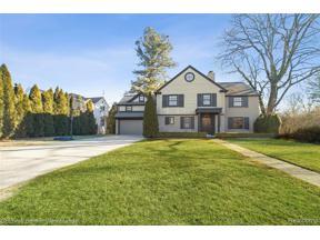 Property for sale at 285 Hawthorne ST, Birmingham,  Michigan 4