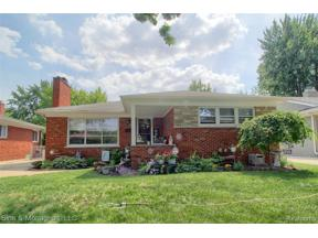 Property for sale at 1799 ALINE DR, Grosse Pointe Woods,  Michigan 48236