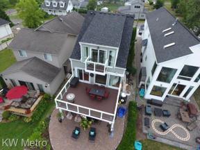 Property for sale at 2109 W LAKE DR, Novi,  Michigan 48377
