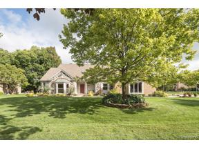 Property for sale at 35096 PEMBROKE AVE, Livonia,  Michigan 48152