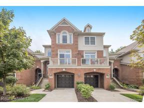 Property for sale at 37557 NEWBURGH PARK CIR, Livonia,  Michigan 48152