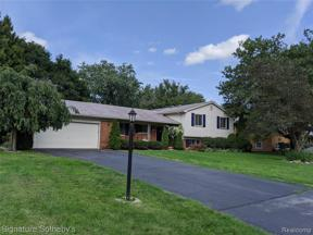 Property for sale at 2866 BINBROOKE DR, Troy,  Michigan 48084